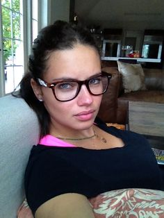 Adriana Lima - Beautiful w/o Make-Up | BangWithCamino.com