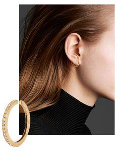 Hooped earrings graphic jewelry trends Charlotte Chesnais Maison Margiela | Vogue Paris