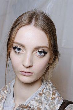 Doll Eyes Makeup Looks Eye Makeup Doll Eye Makeup, Asian Eye Makeup, Simple Eye Makeup, Eye Makeup Tips, Pretty Makeup, Makeup Trends, Beauty Makeup, Makeup Looks, Hair Makeup