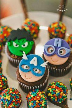 FIESTAS TEMA LOS VENGADORES Avengers Birthday Cakes, Hulk Birthday, Superhero Birthday Party, Superhero Baby Shower, Superhero Cake, Cop Cake, Alphabet Cake, Avenger Cake, Fondant Toppers