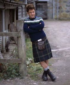 Super-sexy Scottish actor Hamish Clark wears a kilt for his onscreen character and off screen as well. Scottish Man, Scottish Actors, British Actors, Uk Actors, Scottish Culture, Scottish Kilts, Monarch Of The Glen, Men In Kilts, Kilt Men