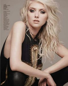 Taylor Momsen I love her hair!!! Awesome curly layers for medium length hair. :)