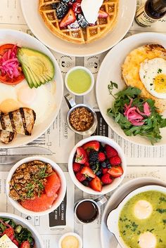 Weekend = brunch time in NYC. 31 brunch spots that NEVER fail Brunch Spots, Brunch In Nyc, Brunch New York, Brunch In The City, Brunch Cafe, Places To Eat, Love Food, Food Photography, Food Porn