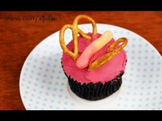 MAKE BUTTERFLY CUPCAKES!  Decorating tutorial by Charli's crafty kitchen