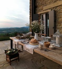 How To Enhance Your Rustic Home Decorating Theme? – Rustic Home Decor Interior Exterior, Exterior Design, Deco Champetre, Northern Italy, House Goals, Architecture, My Dream Home, Rustic Decor, Rustic Table