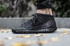 NIKE FLYKNIT TRAINER CHUKKA SNEAKERBOOT BLACK/BLACK-ANTHRACITE  available at www.tint-footwear.com/nike-flyknit-trainer-chukka-sneakerboot-001  Nike flyknit fsb chukka sneakerboot boot autumn sneakers tint footwear studio munich