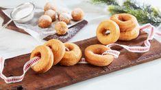 Smultringer Og Berlinerkuler - Oppskrift fra TINE Kjøkken Norwegian Christmas, Kefir, Christmas Cookies, Doughnut, Donuts, Tin, Cereal, Sweets, Baking
