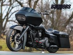 Check out DD Customs murdered out custom 2010 Harley-Davidson Road Glide bagger. Harley Bikes, Harley Davidson Motorcycles, Custom Motorcycles, Custom Bikes, Harley Road Glide, Harley Davidson Street Glide, Harley Davidson News, Custom Baggers, Ducati