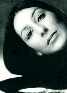 Cher Photo by Avedon, US Vogue December 1971.  . . . before