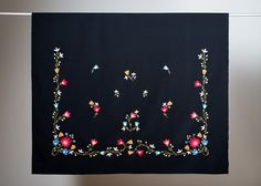 FINN – Brodert forklesett til Frafjordbunad (Rogalandsbunad) Folk Embroidery, Norway, Textiles, Tapestry, Stitches, Pattern, Suit, Building, Design