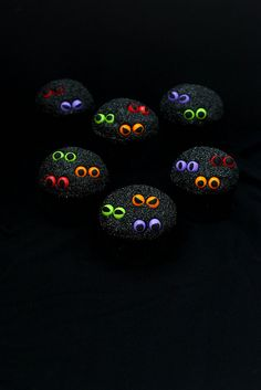 Who's There?  Spooky Eyeball Cupcakes | Annie's Eats by annieseats, via Flickr