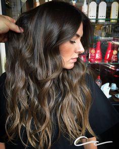 "486 curtidas, 21 comentários - Cristiano Cobucci ✂️ (@cris_cobucci) no Instagram: ""NATURALIDADE  by @cris_cobucci ☎️ 31 3275-2524 ✅WhatsApp 31 98656-3919 #loiro #hairstyle…"""