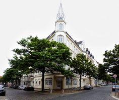 Wohn- und Geschäftshaus in Kiel-Gaarden, Kaiserstraße / Medusastraße by Jan Petersen (Witz und Verstand at #flickr)    CC BY-NC-ND 2.0 http://creativecommons.org/licenses/by-nc-nd/2.0/deed.de