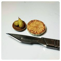 Simplicity 🍐😊 #polymerclay #miniature #food #miniaturefood #pear #tart