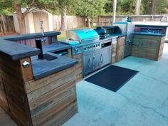 "Explore our site for more information on ""outdoor kitchen designs layout patio"". It is actually a superb location to learn more. Modern Outdoor Kitchen, Outdoor Kitchen Bars, Outdoor Living, Outdoor Kitchens, Outdoor Bars, Grill Bar, Diy Grill, Grill Station, Moderne Pools"