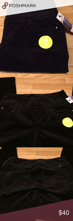 "JAG Pull On Nora Skinny Black Chords Nora Skinny brand new with tags. High rise Skinny with regular inseam. 98% cotton 2% spandex. Love pull on pants no buttons lots of stretch  length is 40""  inseam is 30"" rise is 10""  across the top laying flat is 15""  with stretch Jag Jeans Pants Skinny"