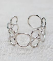 TOP SELLER | Circles Forever Bracelet (Silver)  Also available in gold.
