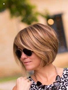ideas curly hair ideas for short curly hair color ideas hairstyle ideas for school colour ideas hairstyle ideas easy ideas kenya ideas tutorial Short Bob Haircuts, Bob Hairstyles, Medium Hair Styles, Curly Hair Styles, Peinados Pin Up, 1920s Hair, Shoulder Length Hair, Hair Dos, Fine Hair