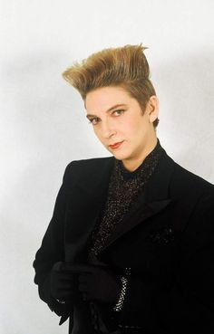 Desireless voyage voyage dans les hauts plateaux de ses cheveux... La chanteuse Desireless au Midem 1987. Cannes, FRANCE - 26/01/1987./Credit:BENAROCH/SIPA/1210261913