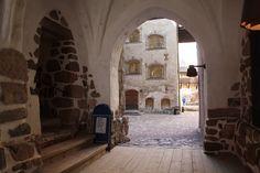 1300-1400-luku, Turun linna sisältä