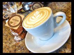La mejor manera de disfrutar  cada momento  es con una taza del mejor café  y unas deliciosas  #ChocolateChipCookies  Conócenos en el C.C. Metrocenter pasaje colonial. #AromaDiCaffé #SaboresAroma #MomentosAroma #Café #Caracas #BuscandoElCafé #ChocolateChipCookies #Coffee #CoffeeLovers #CoffeeMoments #CoffeeTime