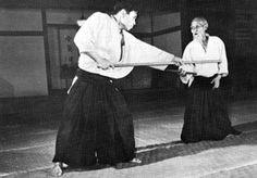Por Mario Sapienza Fue durante el otoño de 2012 que tuve la posibilidad de practicar en Meirin Juku, dojo conducido por Sobue Mitsuru shihan, en la industrial pero apacible ciudad de Nagoya, Japón.…