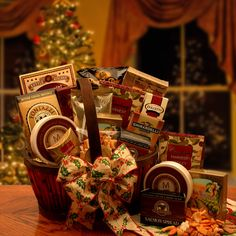 usa Gift Baskets - The Holiday Butler Gourmet Gift Basket Gourmet Gift Baskets, Christmas Baskets, Christmas Gift Baskets, Gourmet Gifts, Storch Baby, Butler, Corporate Gift Baskets, Christmas Gifts For Husband, Edible Food