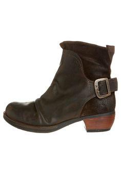 91 mejores imágenes de Boots   sandals en 2019  61e9491b786