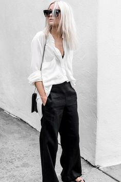 Minimalist fashion tips: Elevated basics - The Lifestyle Files - 10 of the most important and stylish minimalist fashion basics - Fashion Basics, Fashion Foto, Fashion Advice, Fashion Trends, Fashion Hacks, Fashion Ideas, Mode Outfits, Trendy Outfits, Fashion Outfits