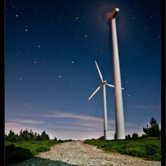 On instagram by quique_m0ntes #astrophotography #contratahotel (o) http://ift.tt/1TxPcWg mayor parque eólico da cañiza #osa #mayor #ursamajor  #astronomy    #cañiza  #stars #galicia  #galiciamola  #sky  #night  #starnight #eolico #windmill #molino #nature