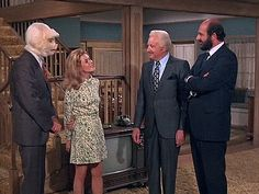 Bewitched, Season 7, Episode 20 This Little Piggie (25 Feb. 1971) , Elizabeth Montgomery, Dick Sargent,