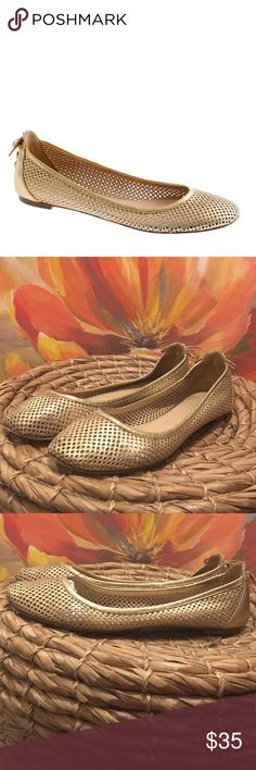 J. Crew Quorro metallic flats size 7.5 J. Crew Quorro metallic flats size 7.5 Lace tie back  Leather Noted light leather wear on inside of back shoe noted in pic Small random spots have wear Shoes are so cute and will look amazing on buyer 😊 J. Crew Shoes