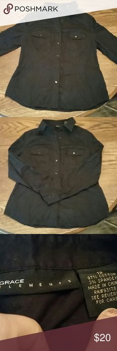 Black Button Down Top Black Button Down Top. Two Breast Pockets. Perfect For Layering! -Smoke/Pet Free Home -I Accept All Reasonable Offers Grace Elements Tops Button Down Shirts