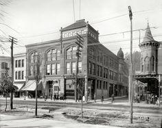 Hot Springs, Arkansas, circa 1900. The Hotel Pullman