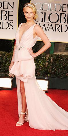 2012 Golden Globes: Charlize Theron in Dior Couture