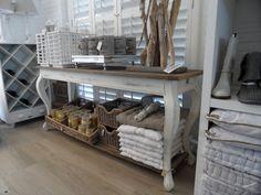 Table @Maison ecologique ecologique ecologique ecologique rivera store