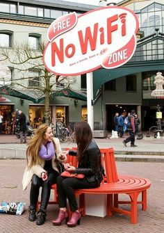 #KitKat Offers 'Free No WiFi Zone' So You Can 'Have a Break' #Advertising #Chocolate #Smart