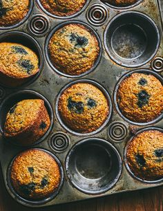 Muffins bleuets et son d'Olive + Gourmando Olives, Muffins, Iron Pan, Palak Paneer, Biscuits, Brunch, Ethnic Recipes, Sweet, Desserts