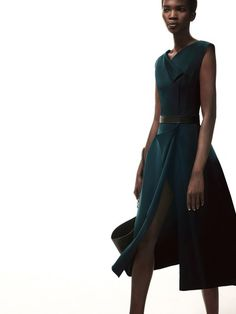 See the complete Narciso Rodriguez Pre-Fall 2017 collection.