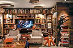 Uma casa-escritório de 250 m², repleta de livros, arte e coleções no Rio - Casa.com.br