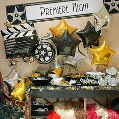A very doable, very Oscars, very Hollywood party from Party City! ~ Hollywood