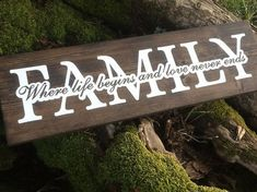 Family Wood Sign Rustic Wood Sign Rustic Home Decor Rustic Wood Crafts, Pallet Crafts, Rustic Wood Signs, Diy Pallet Projects, Wooden Crafts, Wooden Signs, Woodworking Projects, Woodworking Quotes, Wooden Flag