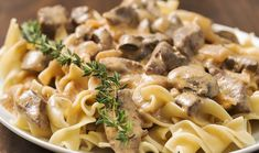 Enjoy this simple rendition of slow cooker Beef Stroganoff! Smothered in creamy golden mushroom gravy, atop hot butted egg noodles, beef stroganoff is a family dinner classic! Beef Stroganoff Instant Pot Recipe, Slow Cooker Beef Stroganoff Recipe, Biryani, Best Stew Recipe, 1950s Food, Stuffed Mushrooms, Stuffed Peppers, Perfect Food, Beef Recipes