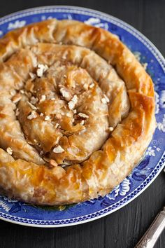 apple phyllo pie with maple and pecans - just use vegan butter instead Greek Desserts, Greek Recipes, Just Desserts, Dessert Recipes, Polish Desserts, Health Desserts, Phyllo Dough Recipes, Pastry Recipes, Cooking Recipes