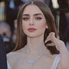 Makeup Eye Looks, Pretty Makeup, Eye Makeup, Hair Makeup, Make Up Looks, Beauty Make-up, Hair Beauty, Brunette Beauty, Makeup Inspo