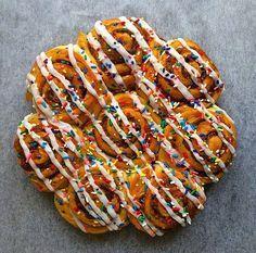 [Homemade] Funfetti Cinnamon Rolls
