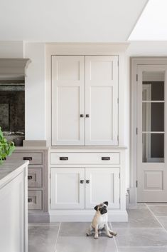 The Best Classic Kitchen Design Ideas - imgfave Country Kitchen Farmhouse, Country Kitchen Designs, Modern Farmhouse Kitchens, Modern Kitchen Design, Country Kitchens, White Kitchens, Rustic Kitchen, East Sussex, Home Design