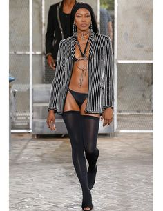 Naomi Campbell--She still got it. alks the runway during the Givenchy Menswear Spring/Summer 2016 show as part of Paris Fashion Week in Paris, France. Runway Fashion, Fashion Models, Fashion Show, Womens Fashion, Fashion Design, Fashion Stores, Paris Fashion, Celebrities Fashion, Fashion Fashion