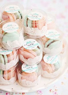 New Ideas For Bridal Shower Favors Macaroons Macaron Wedding Macaroon Wedding Favors, Elegant Wedding Favors, Diy Wedding, Dream Wedding, Macaron Favors, Trendy Wedding, Door Gift Wedding, Wedding Ideas, Wedding Photos