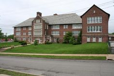 John J. Roe School Address: 1921 Prather Avenue  Date: 1919  Architect: Rockwell M. Milligan